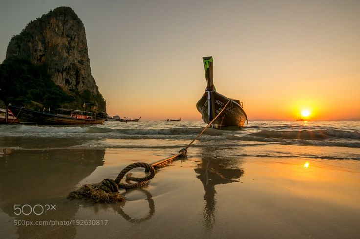 Beach sunset by BenceAradi #travel #traveling #vacation #visiting #trip #holiday #tourism #tourist #photooftheday #amazing #picoftheday