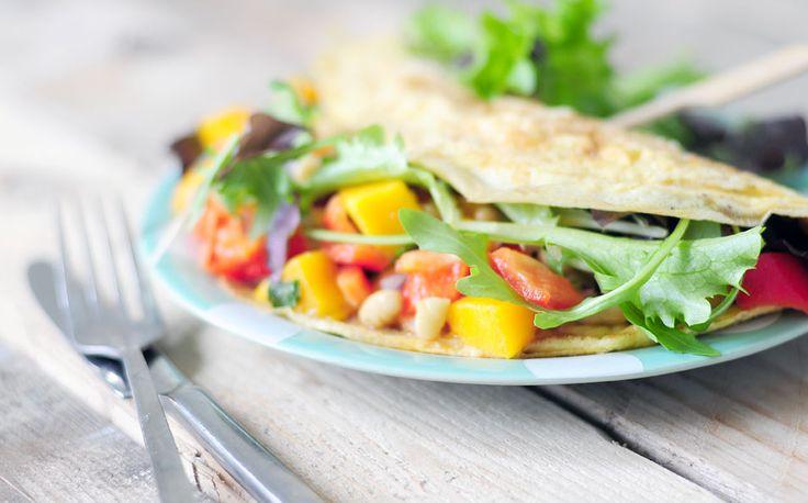 Gevulde omelet met salade