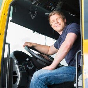 DEKRA Arbeitsmarkt-Report 2016:   Vor allem Fahrer für den regionalen Verteilerverkehr sind bei Unternehmen begehrt. Der einsame Trucker fern der Heimat scheint hingegen in Deutschland passé zu sein...