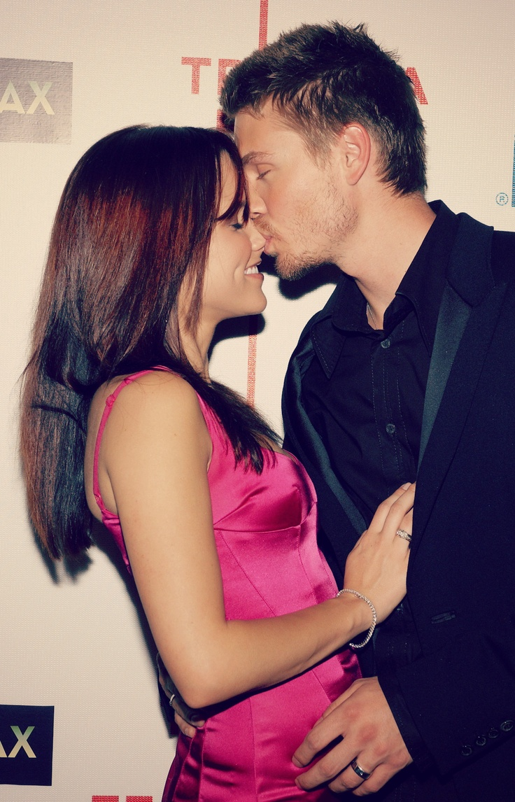 sophia bush + chad michael murray  literally my favorite couple wish they were still dating <3 #onetreehill