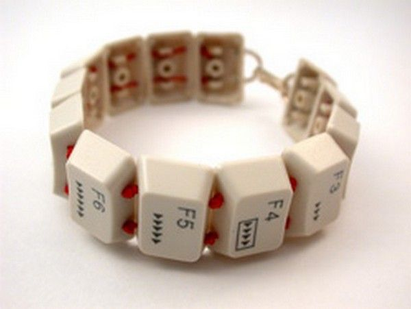 Just your type. Make a bracelet out of old computer keys. #Upcycling #Giving #SummerofDoing