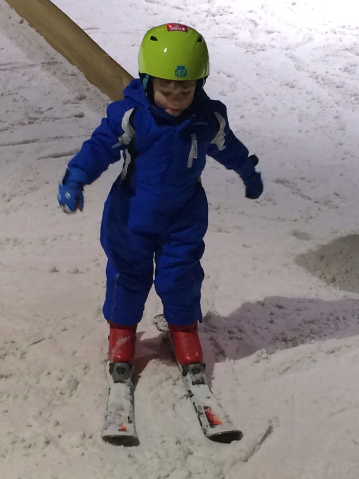 Oliver's first skiing lesson