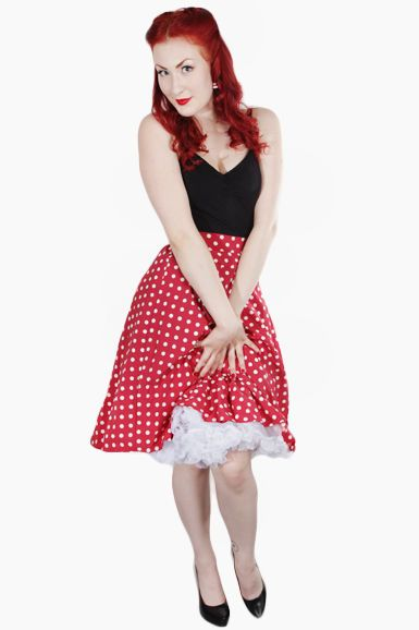 Amazingly bautiful red skirt! This is totally must have!