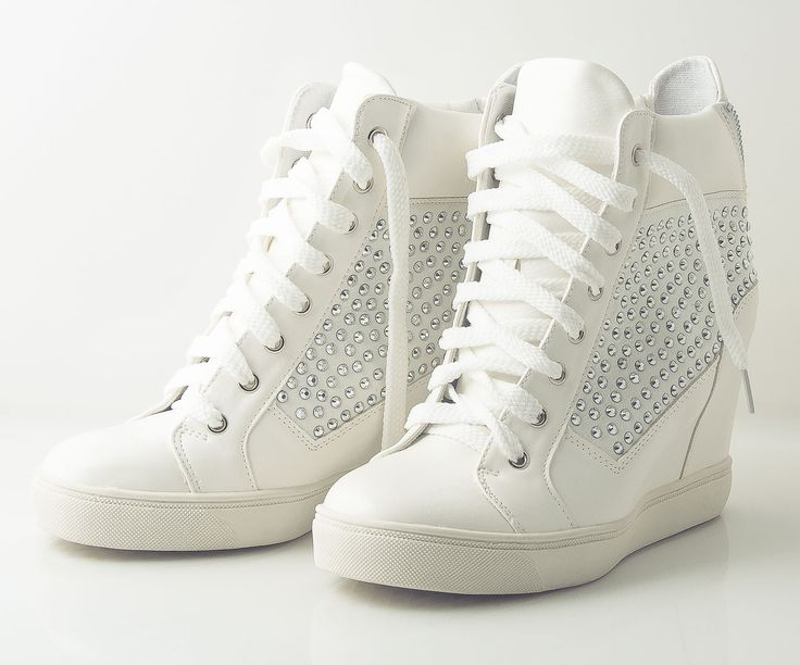 Modne, stylowe buty w super cenach! http://allegro.pl/sklep/35220589_kot-w-butach  #sneakers #fashion #kotwbutach