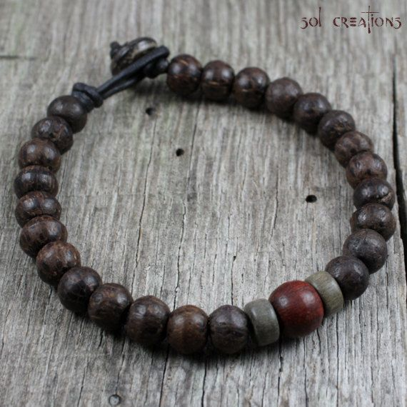 Mens Mala Bracelet cuir perles en bois par SolCreationsJewelry