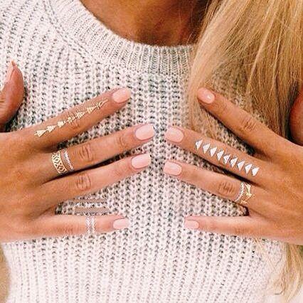 flash tats + rose nails