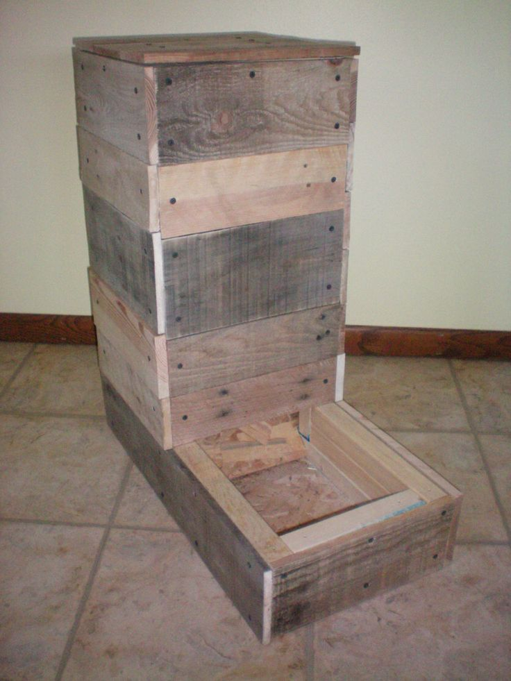 Automatic Dog Food Feeder – Unfinished Primitive Rustic Reclaimed Lumber Wood