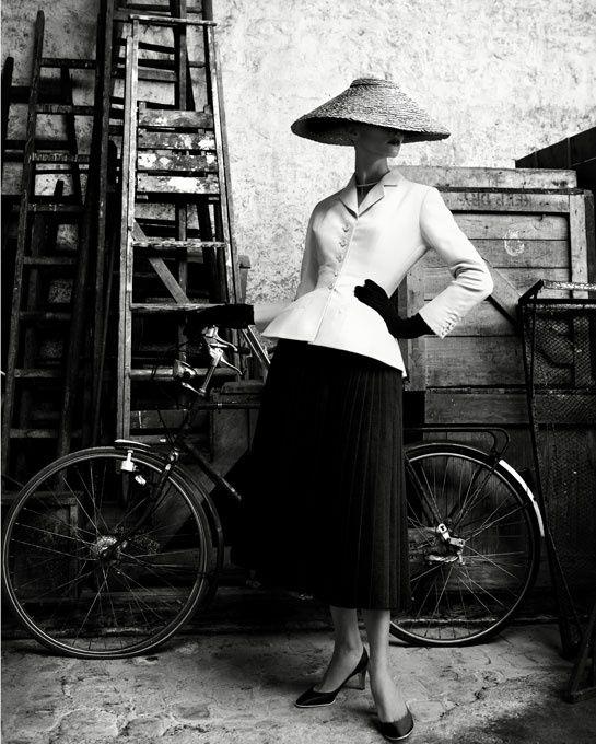 L'exposition Christian Dior haute couture à Pékin http://www.vogue.fr/mode/news-mode/diaporama/l-exposition-christian-dior-haute-couture-a-pekin/10494