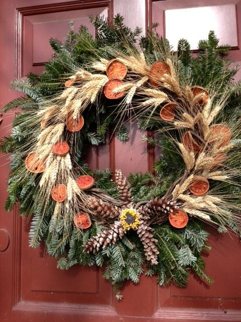 Christmas wreath in Colonial Williamsburg | Colonial Williamsburg |  Pinterest | Williamsburg christmas, Christmas and Colonial williamsburg - Christmas Wreath In Colonial Williamsburg Colonial Williamsburg