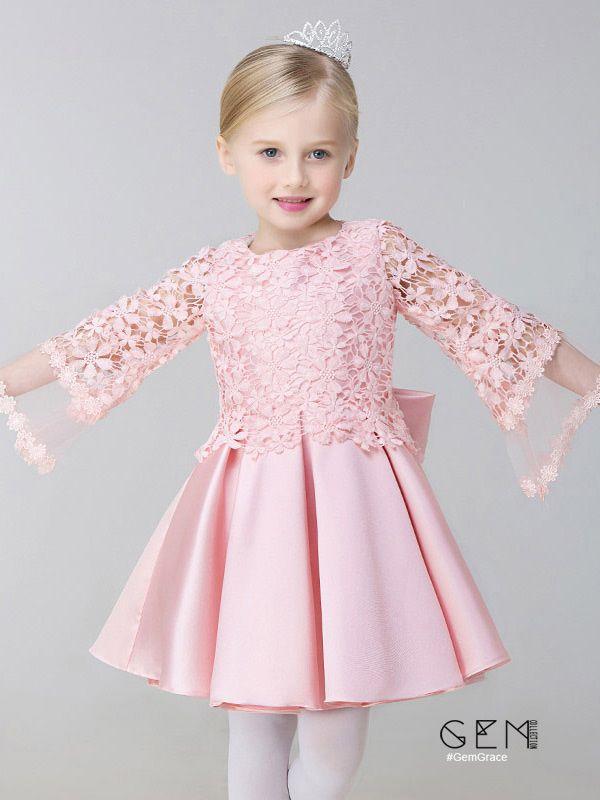 Nur $ 89.99, Blumenmädchenkleider A Line Satin Short Pink Blumenmädchenkleid mit ...