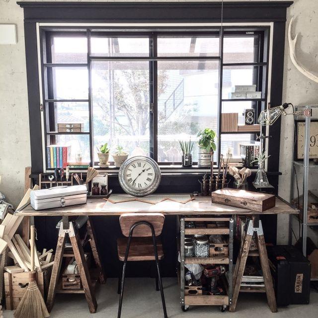 yupinokoさんの、棚,DIY,アトリエ,インダストリアル,見せる収納,窓枠DIY,男前,セルフリノベーション,リメイクチェア,アメブロやってます♡,ワークデスクDIY,インスタやってます♡,ワークワゴン,のお部屋写真