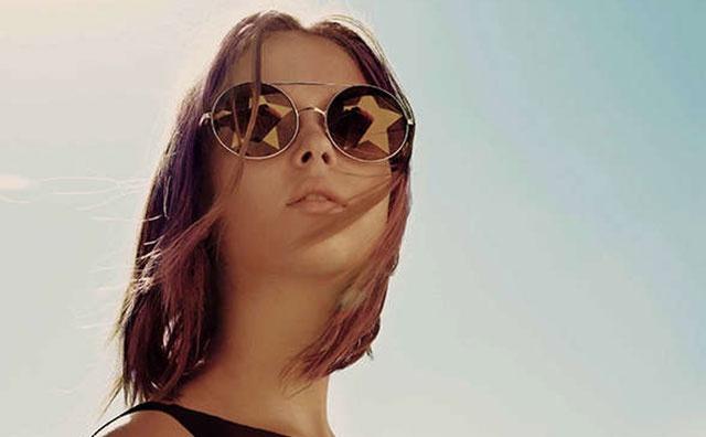 Din colectia de ochelari de soare a anului 2013