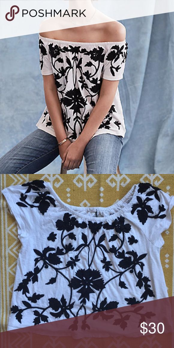 Anthropologie tropea off the shoulder top Akemi + Kim tropea top. Size medium. Can be worn off the shoulder or as a scoop neck. Features black floral embroidery. Worn a few times but in good condition. Anthropologie Tops Tees - Short Sleeve