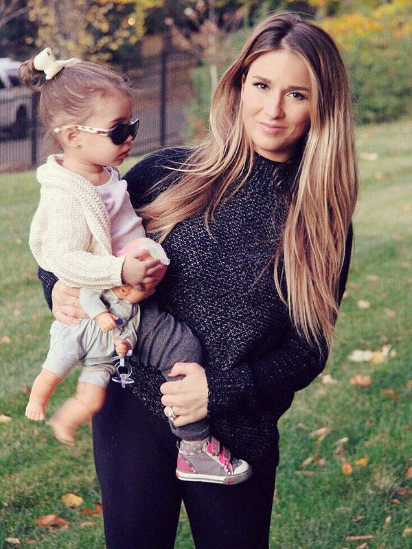 Jessie James Decker on Sharing Body After Baby Pics on Instagram – Moms & Babies – Celebrity Babies and Kids - Moms & Babies - People.com