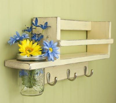 mail/key shelf--love the idea of the vase *in* the shelf...I've been trying to come up with something similar for my nightstand...I love flowers, but my cat loves using the vases for batting practice.