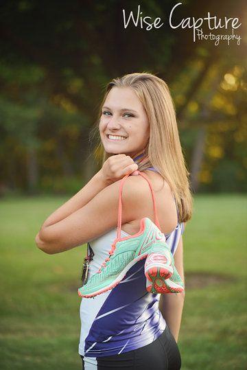 Senior Cross Country Pictures, senior girl poses. cross country pictures. Wise Capture