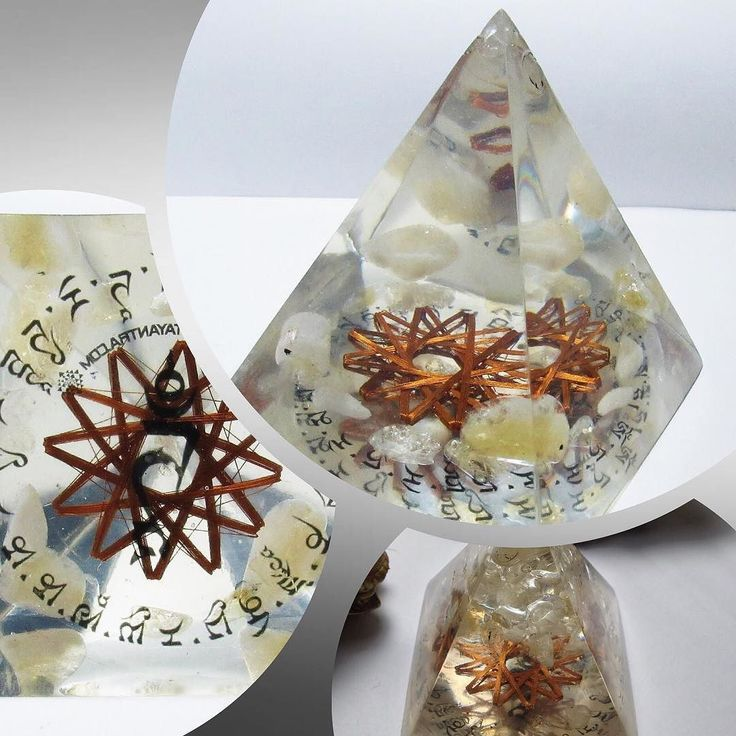 White Tara Mantra Citrine 12 Vortex Pyramid Pranic device designed after the energy of the icosahedron distributes the energy created by the White Tara mantra promotes abundance protection health and prosperity. Available at http://crwd.fr/2uaNV1l #orgone #orgonite #insta #instagood #instafan #sacredgeometry #healing #metayantra #energy #dispositivospranicos #pranicdevices #healingcrystals #like4like #crystals #orgonegenerator #reiki #quartz #instapic #whitetara #abundance #protection…