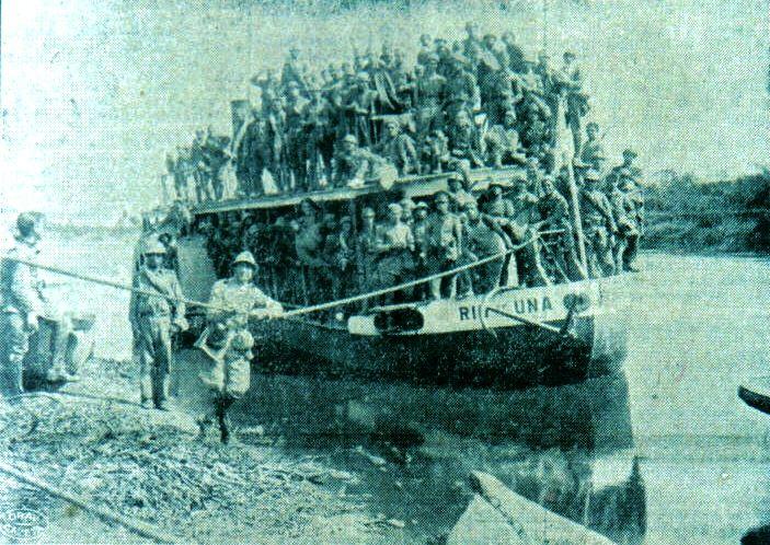 Foto da rev paulista 32 Rio Una navio a Vapor levou tropas de Juquiá a Cananéia