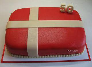 PynteKagen: Danish flag cake
