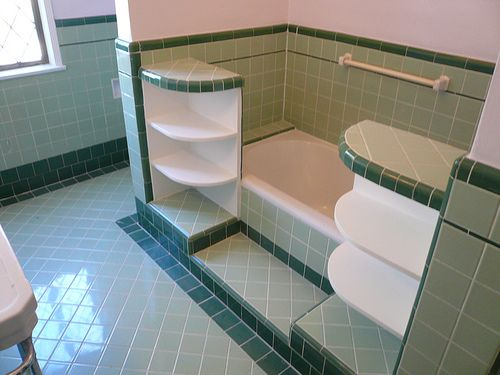 1920s/1930s bathroom