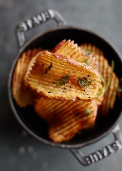 Homemade potato chips. These look delicious! I want to try this!