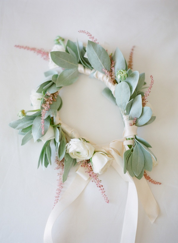 the loveliest colors on this floral halo