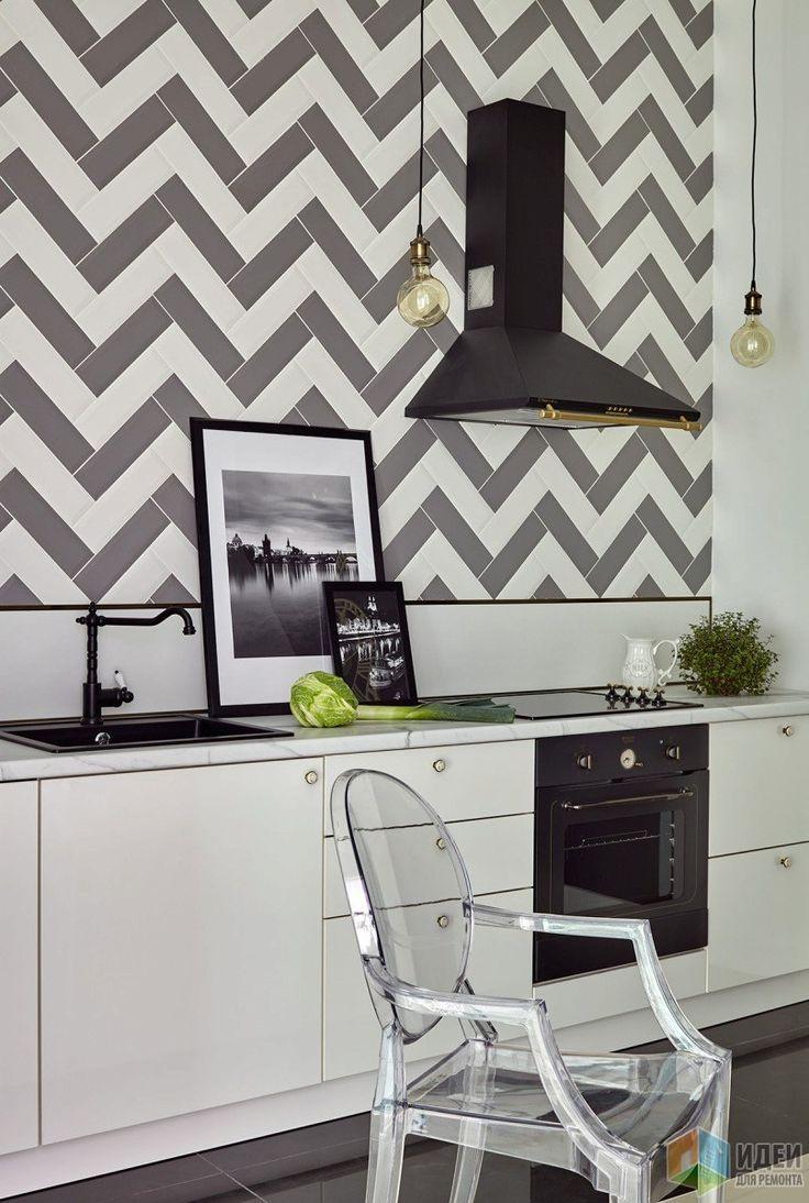 Кухня-столовая, настенная плитка шеврон