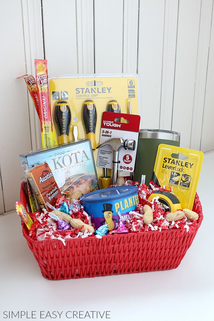 100 Diy Christmas Gift Baskets That Are Stuffed To The Brim With Adorable Chris Christmas Gift Baskets Diy Valentine Gift Baskets Valentine S Day Gift Baskets