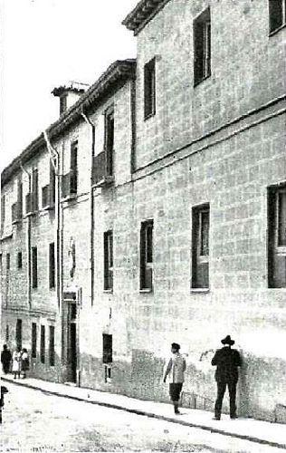 1917. Hospital de Mujeres Incurables en la calle de Amanie… | Flickr