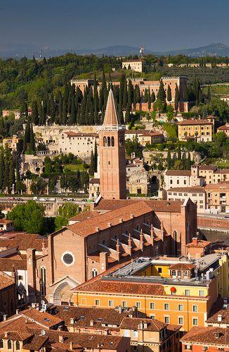 The Basilica di Santa Anastasia, Verona, Italy