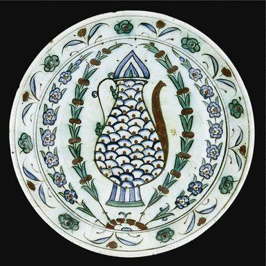 An Iznik polychrome dish, Turkey, 17th century | Lot | Sotheby's