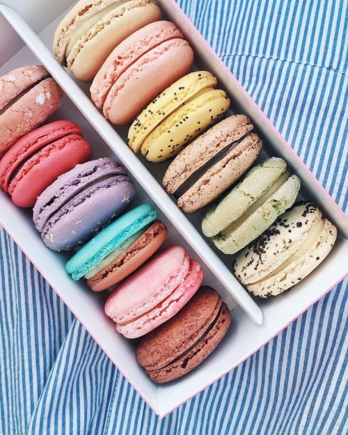 """thecollegeprepster: """"Took a macaron baking class yesterday morning that was such a fail  Bought a dozen instead!!!!!  """""""