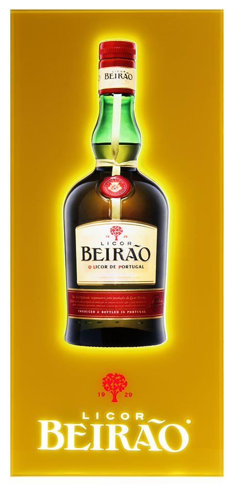 Luminoso parainteriorLED slim para dares ambiente ao teu bar. Dimensões: Luminoso com Garrafa Licor Beirão 25.5 x 55.5cm. Luminoso com logotipo 54 x 34cm. Dis