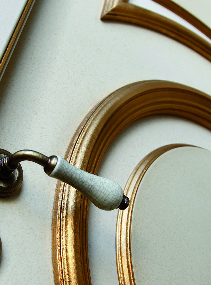 A timeless classic. #handle #design #doors #home #design