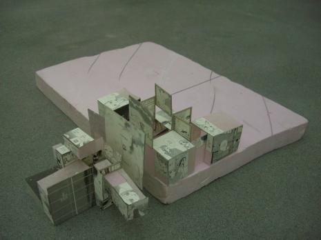 Ian kiaer endless house project