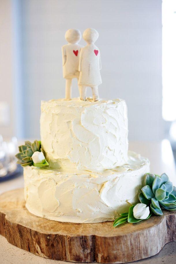 wooden dolls, double barrel wedding cake.