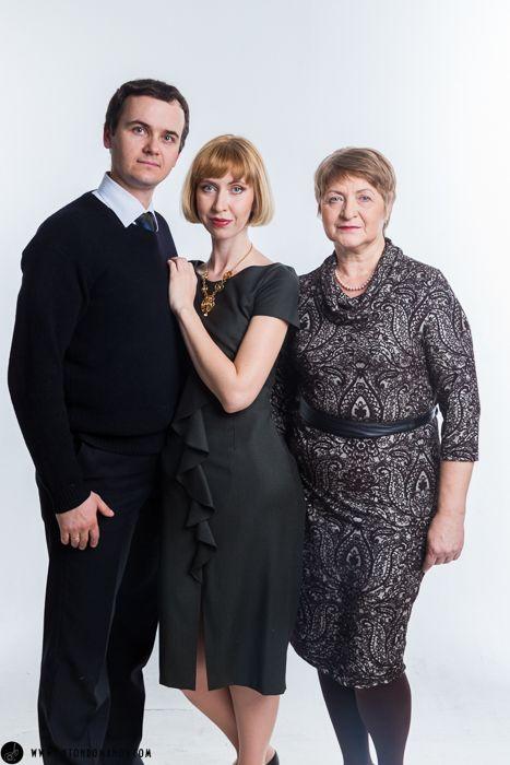 Семейная фотосессия в студии Москва недорого