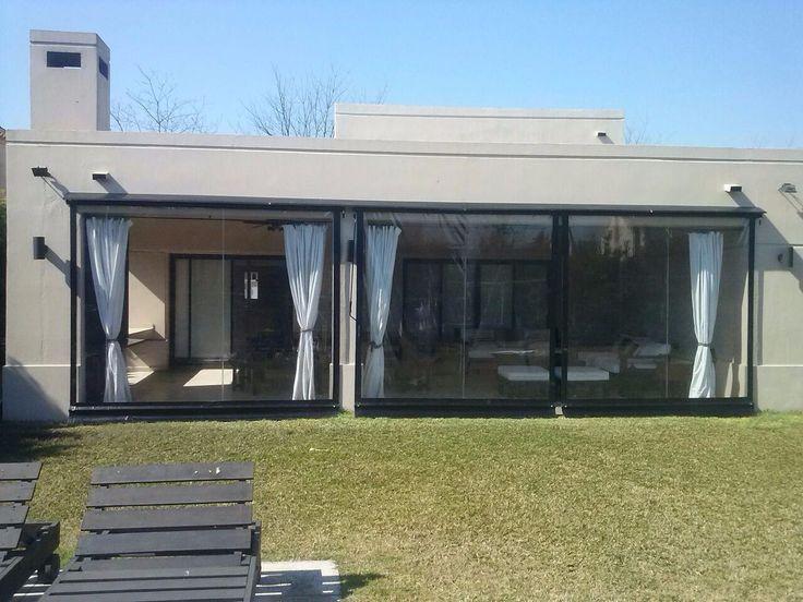 Cerramiento de pvc cristal toldos de lona para galerias for Toldos para patios