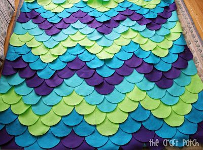 Mermaid scale blanket! From: http://thecraftpatch.blogspot.ca/2012/05/funky-mermaid-blanket.html