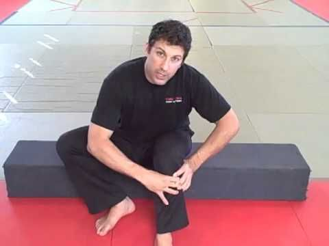 """The """"Knee Pain"""" Guru on How To Do """"The 1 Min Simple Stretch That Release..."""