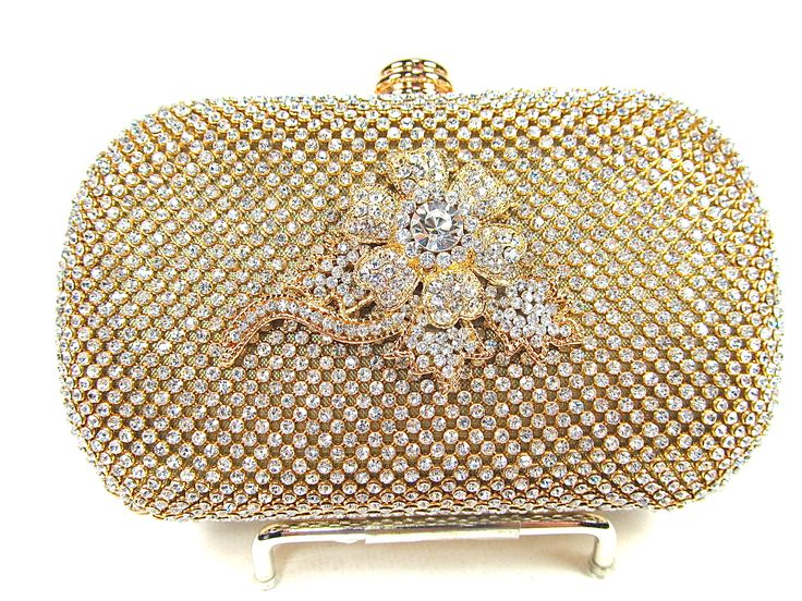 Beautiful new bridal clutch from bloomsnbrides.com