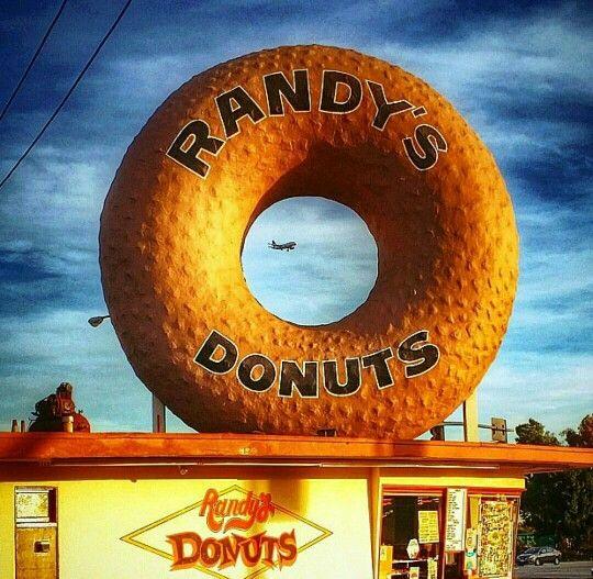 Randy's Donuts in Inglewood, CA