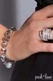 Four Square Bracelet with Smashing Ring