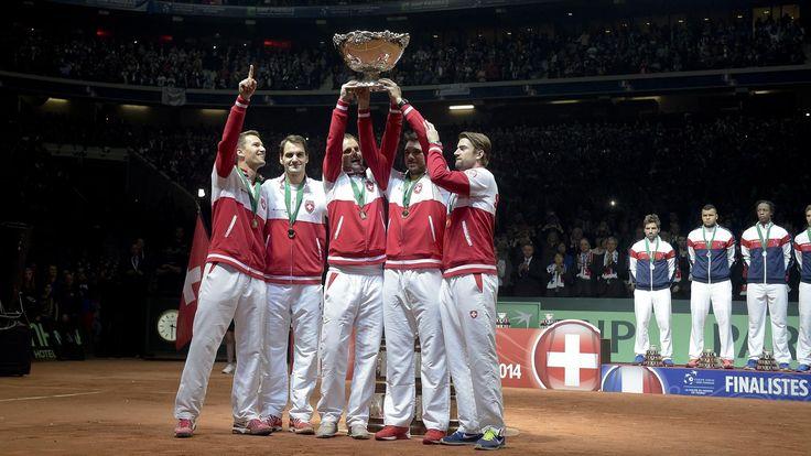 Coupe Davis, France - Suisse : Gasquet battu par Federer, les Suisses remportent le trophée - Coupe Davis 2014 - Tennis - Eurosport  http://www.eurosport.fr/tennis/coupe-davis-2/2014/coupe-davis-france-suisse-gasquet-battu-par-federer-les-suisses-remportent-le-trophee_sto4487802/story.shtml