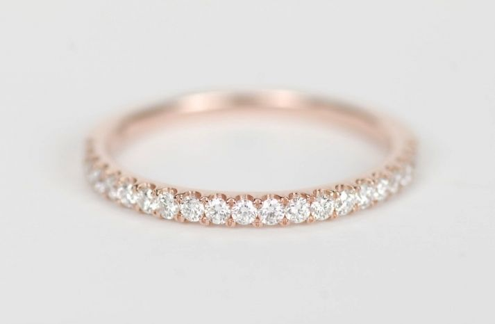 These 21 rose gold wedding bands via @OneWed are simply dazzling. Scroll through the gallery to see for yourself!