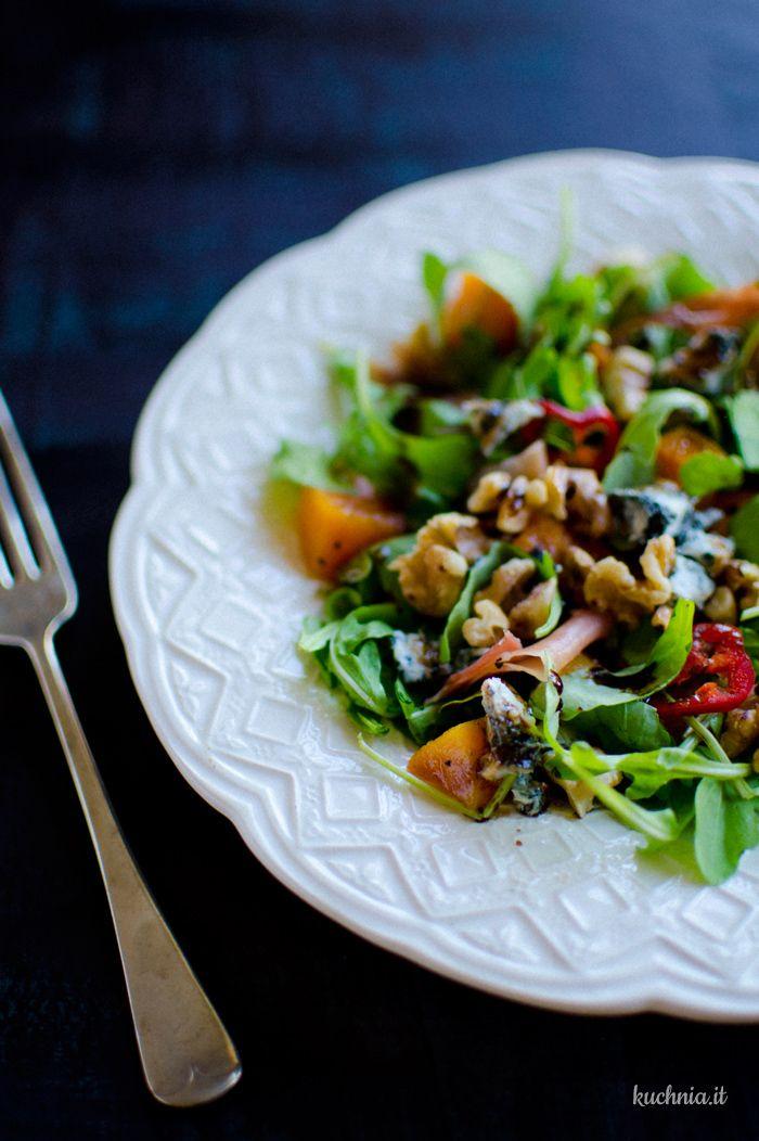Sałatka z dynią, gorgonzolą i szynką parmeńską