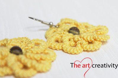 Orecchini a fiore di colore giallo con tecnica a chiaccherino. #chiaccherino #orecchini #lotrovisuMissHobby #tatting