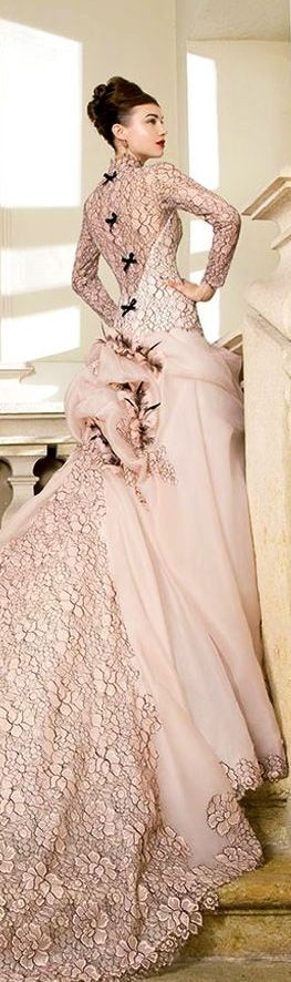 COUTURE GOWN... Very interesting... I like the way the black is incorporated BUT hate the skirt!!!
