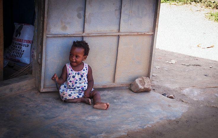 #abenteuer, #africa, #afrika, #akzeptanz, #äquator, #Arm, #armut, #black, braun, #brown, #bushenyi, #child, #children, #color, #elendsviertel, #emotion, #emotionen, #entwicklungshilfe, #gefühl, #gesicht, #happy, #hilfe, #hunger, #hungersnot, #jbn, #Junge, #kampala, #kenia, #kids, #Kind, #Kinder, #kindergarten, #liebe, love, #Mensch, #menschen, #human #girl, #cute, #baby