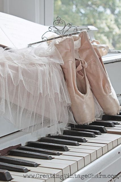 """Creating Vintage Charm: My """"New"""" Piano!!"""